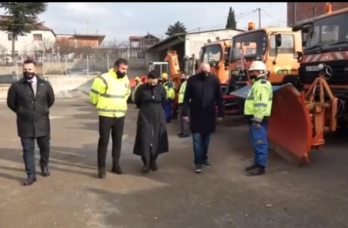 VIDEO/ Balluku viziton Kukësin për marrjen e masave për rrugët gjatë dimrit