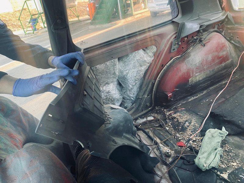 7 kg drogë e kalon doganën e Morinit, por kapet nga policia e Kosovës në Vërmicë