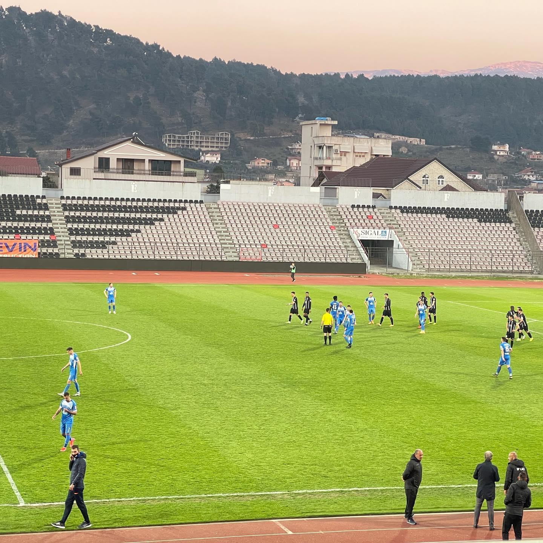 Kukësi humb edhe ndaj Laçit, klubi akuza arbitrit Kola: Kamikaz