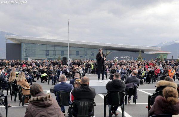 Qeveria Rama, miting për inaugurimin e disatën herë të aeroportit të Kukësit