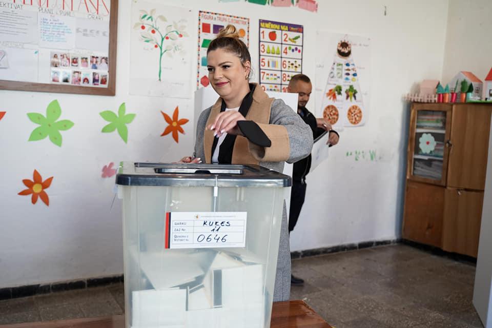 Dështim total, kandidatja e PS-së Gerta Duraku humbi thellë edhe në shtëpinë e saj