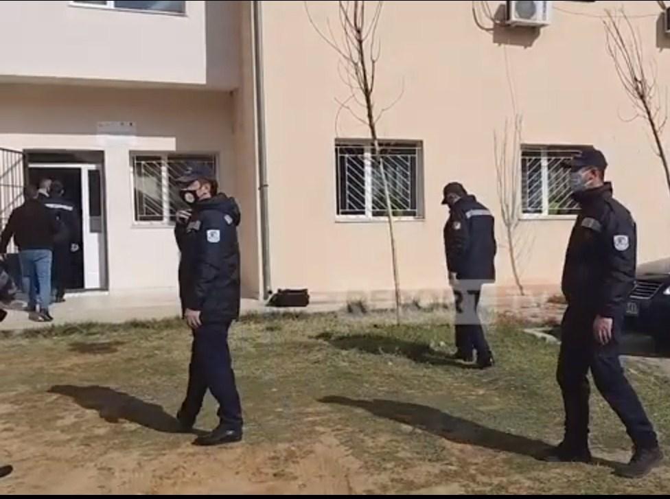 Nis vaksinimi i policëve në Kukës