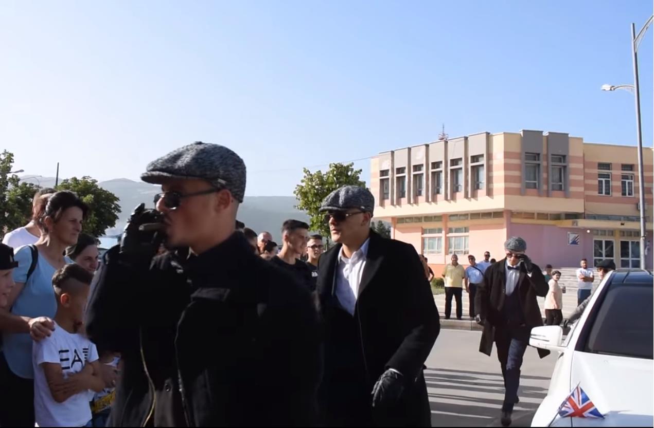 VIDEO/ Maturantët kuksianë sërish në qendër të vëmendjes me zgjedhjet e tyre