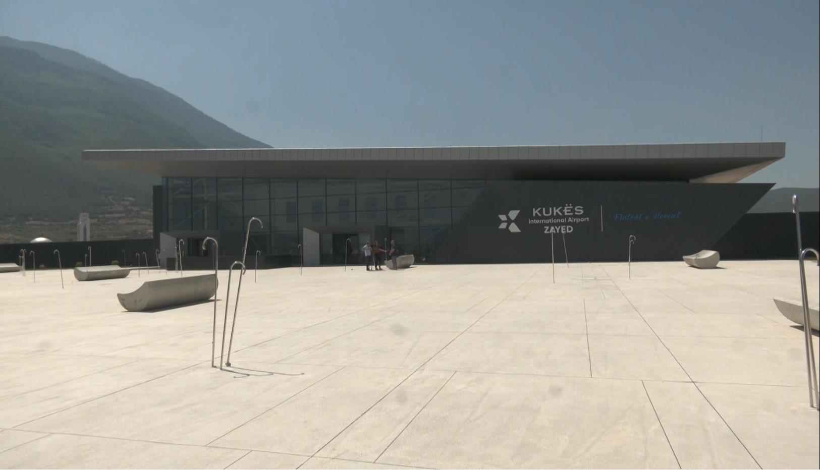 Udhëtim me kosto të ulët, aeroporti i Kukësit kthehet në zgjidhje për turistët e huaj e vendas