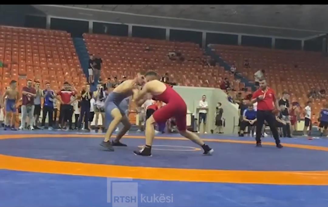 VIDEO/ Kukësi del kampion kombëtar në mundje për moshat U15 dhe U17