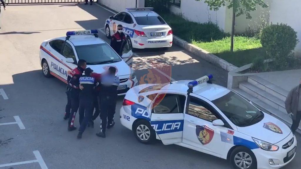 Po transportonin emigrantë arrestohet një kuksian, tjetri në kërkim