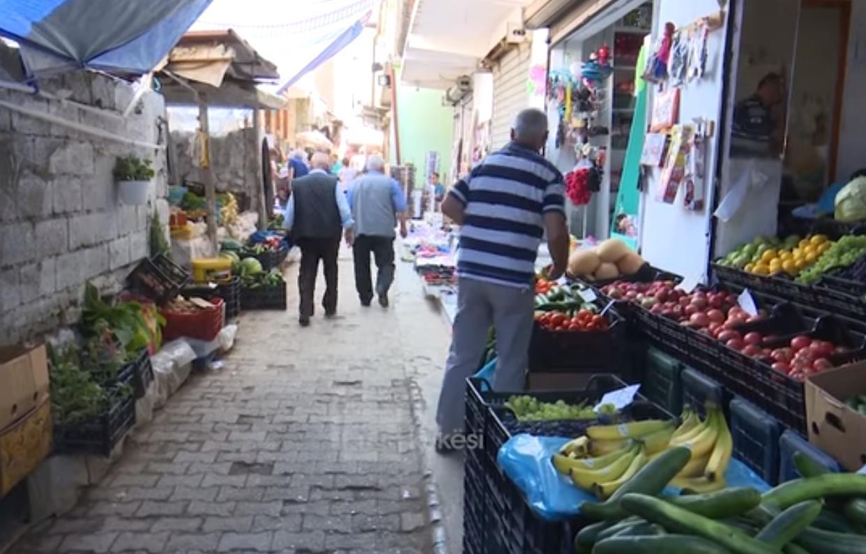 VIDEO/ Në Kukës shtohet prodhimi, por nuk ka qytetarë për ti blerë